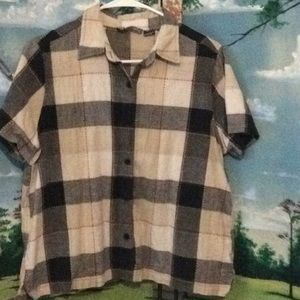 Ladies XL short sleeve button up plaid shirt